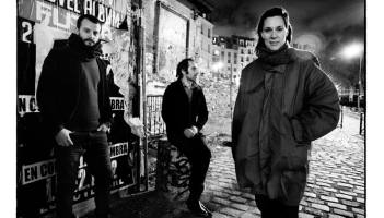 Laetitia Sadier with band