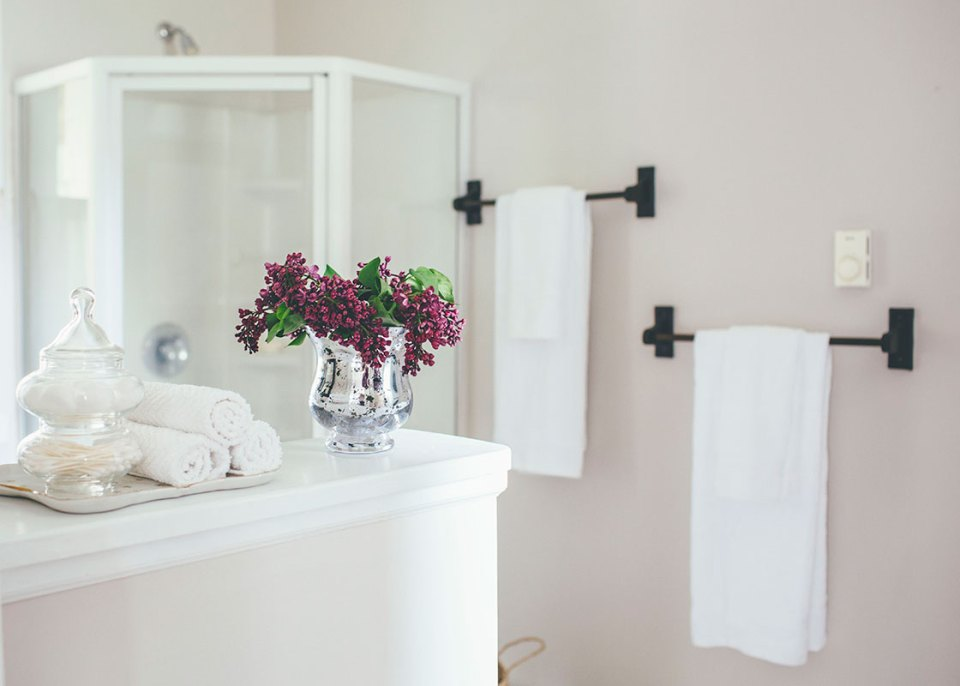 Staging a Bathroom to Sell