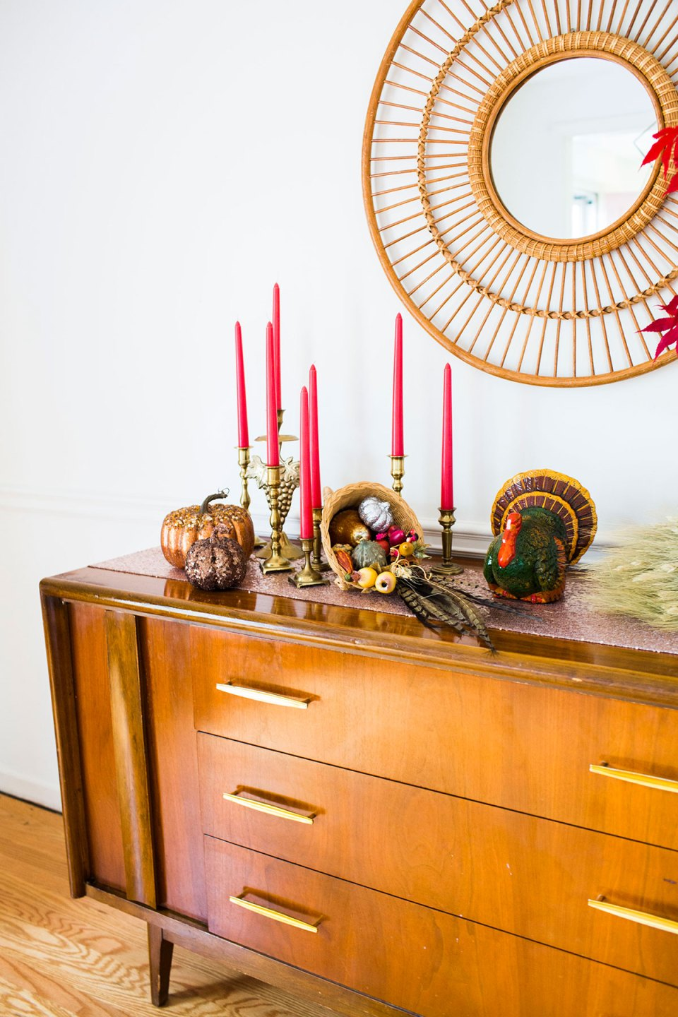 Vintage Eclectic Thanksgiving Decorating