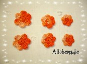 Flores de ganchillo de diferentes tamaños.