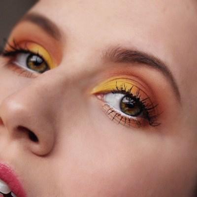 Talk-Thru Sunset Eye Makeup Tutorial