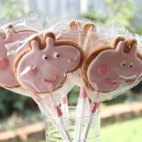 Peppa Pig Vanilla Cookie Pops
