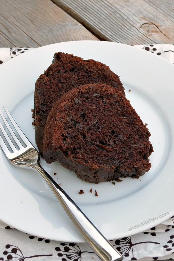 Chocolate Zucchini Bread | alidaskitchen.com