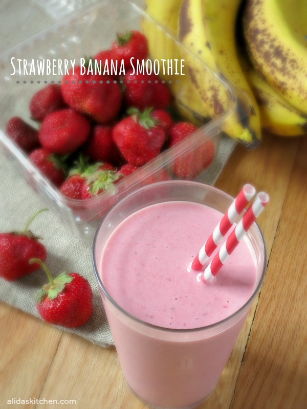 Strawberry Banana Smoothie | alidaskitchen.com