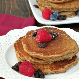 Honey Oatmeal Raisin Pancakes | alidaskitchen.com