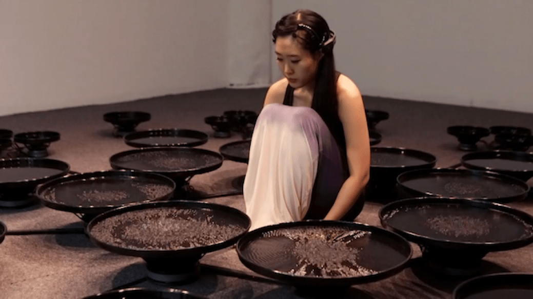 Manipulates 48 Pools of Water with Her Mind_05