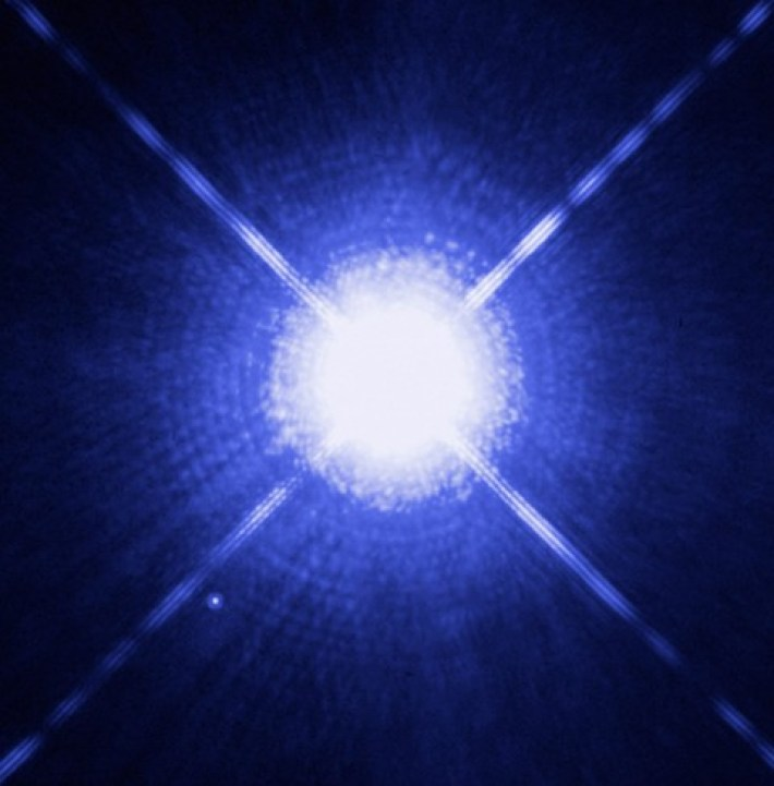 Sirius A and Sirius B as seen by the Hubble Space Telescope. The white dwarf can be seen to the lower left. (NASA, ESA, H. Bond/STScI, M. Barstow/University of Leicester)
