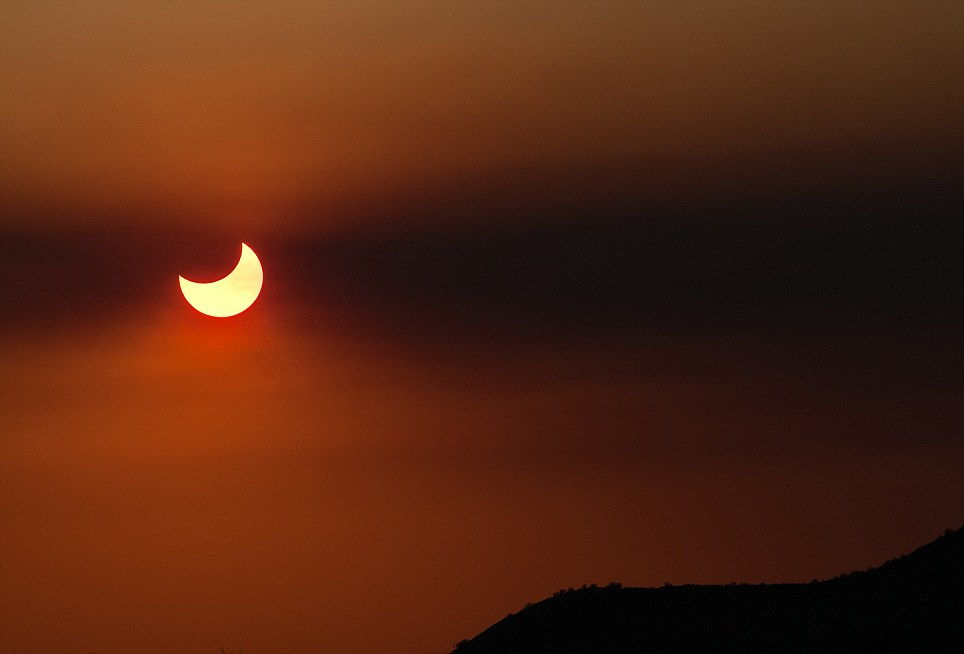 Arizona witness to partial Solar Eclipse in the Sonoran Desert