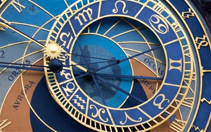"""Quantum Experiment Shows How """"Time"""" Doesn't Exist As We Think It Does (Mind-Altering)"""