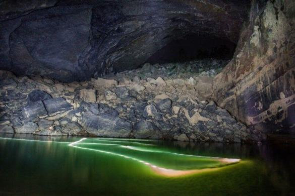Son Doong cave is World's largest cave, discovered in 2009 13