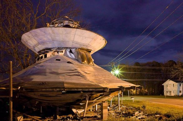 The UFO Welcome Center: A Place to Rest for Aliens in Bowman, South Carolina 1