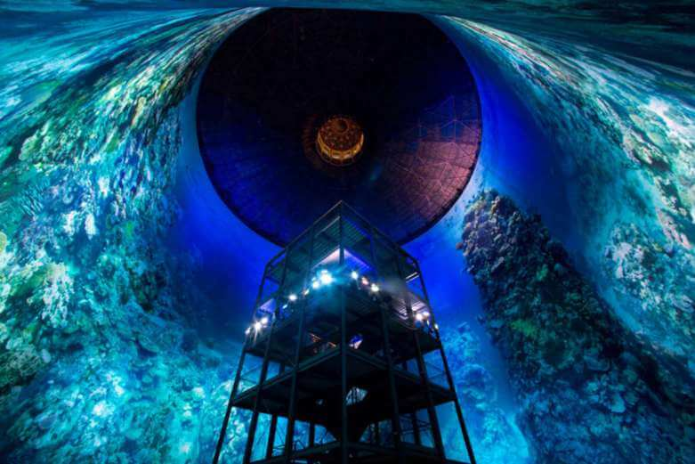EXPLORE THE GREAT BARRIER REEF INSIDE A GIANT GAS TANK 4