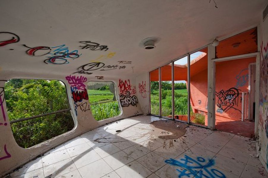 abandoned-ufo-house-homestead-florida-6
