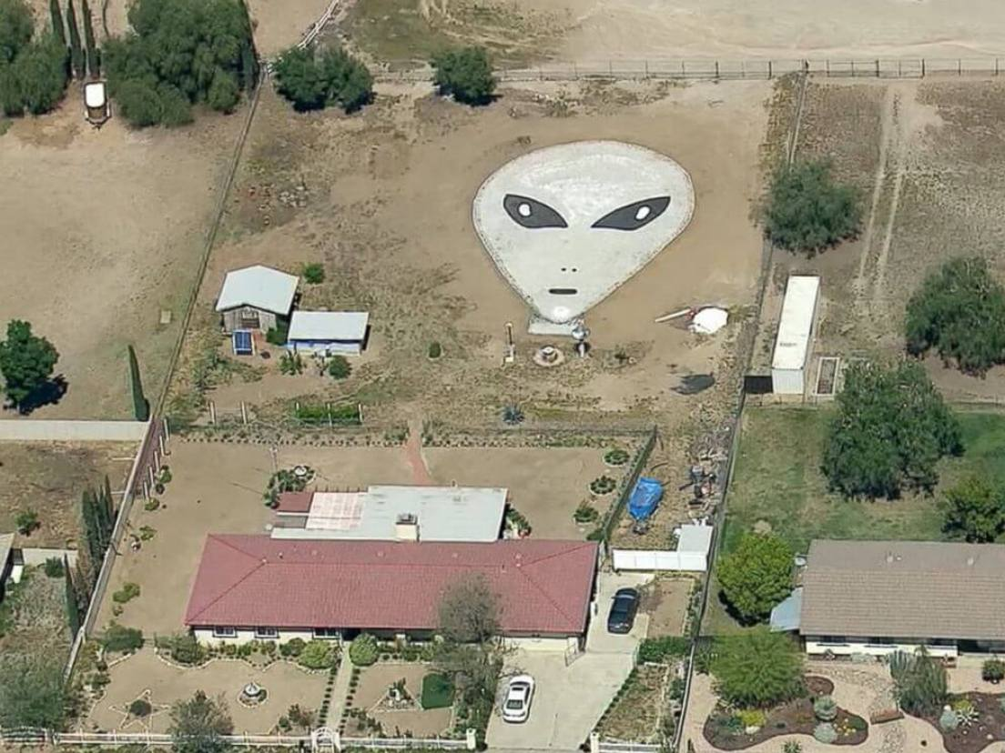 PHOTO: Larry Decker, 77, said he and his family created a 60-by-90 alien face out of rocks in his backyard in Romoland, California, in the hopes of inviting aliens to his home.