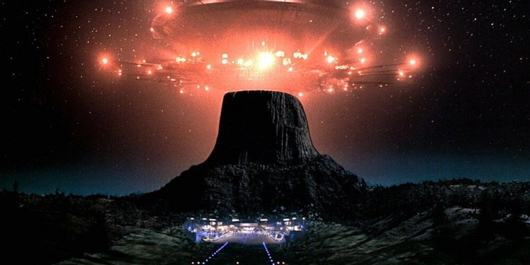 210043 close encounters of the third kind 15 Movies That Prepared Us For An Alien Invasion