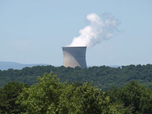 The witness saw the object hovering near the nuclear power plant near Russellville, AR. (Credit: Wikimedia Commons)