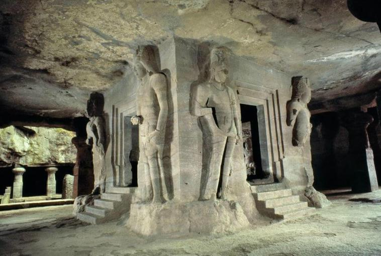 Did The Anunnaki Build This 2,000 Year Old High Tech Cave ...