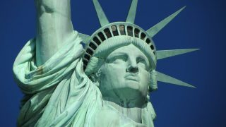 ニューヨークの自由の女神像の顔