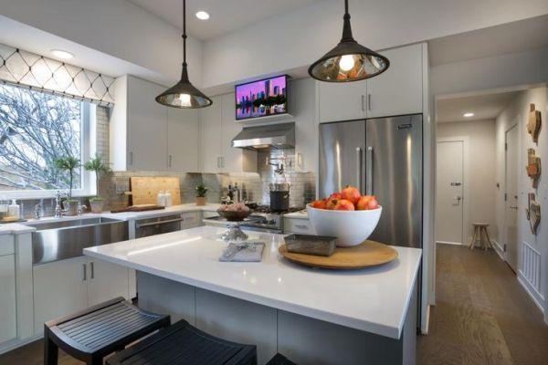HGTV Smart Home 2015~Metallic Backsplash