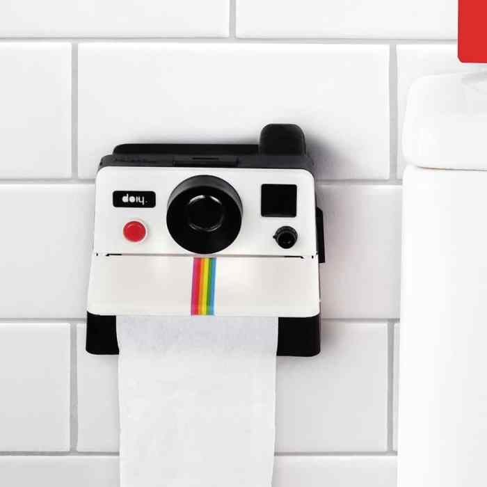 polaroid-toilet-roll-holder