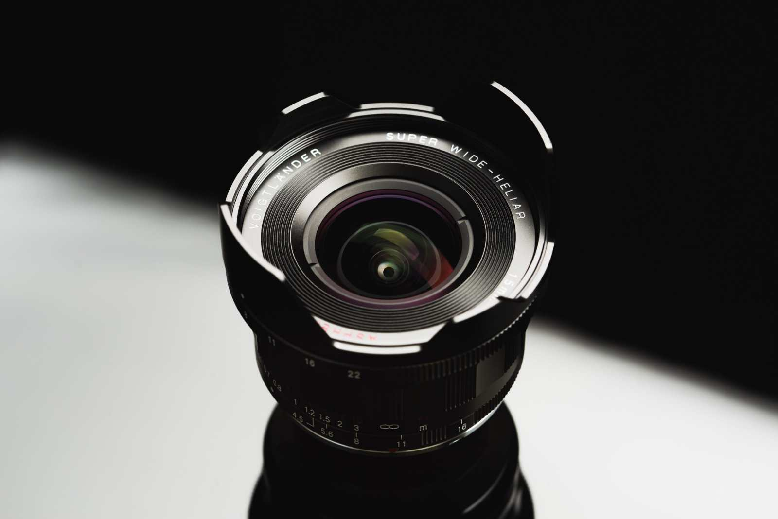 A list of all lenses available for Leica M-mount cameras.