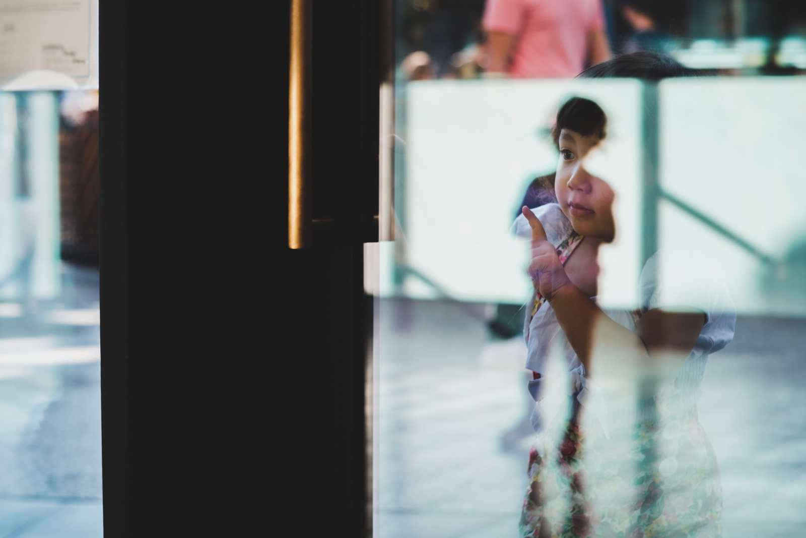 Toddler Reflections | Kamlan 50mm f1.1 Sample Photo