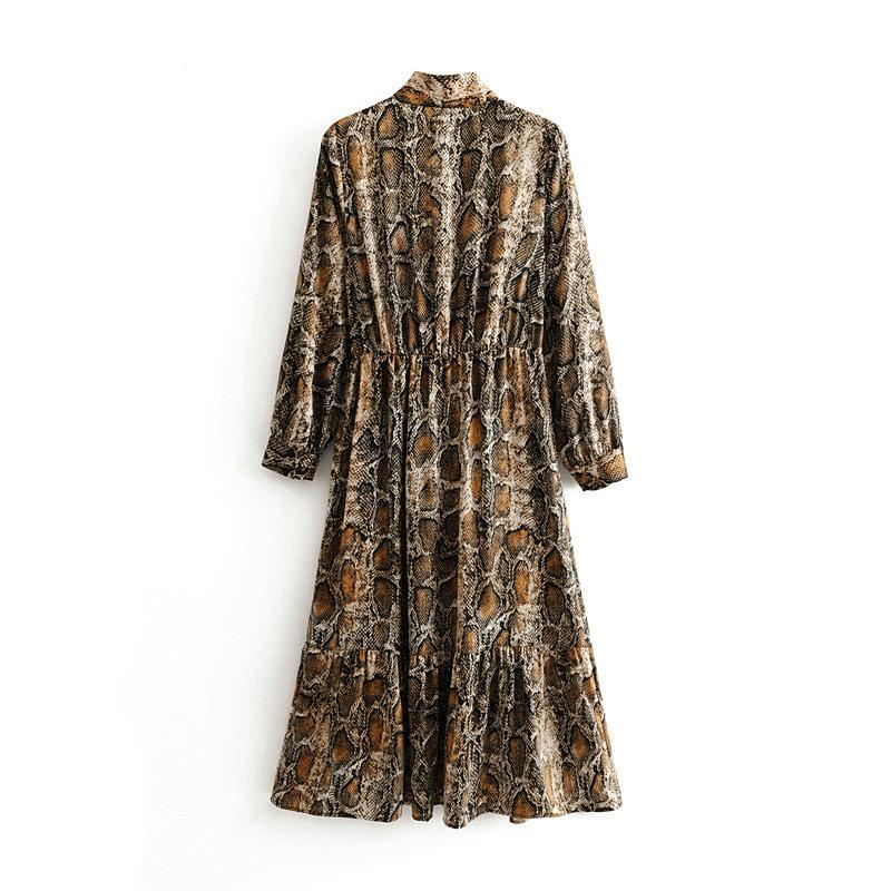 Платье с змеиным принтом