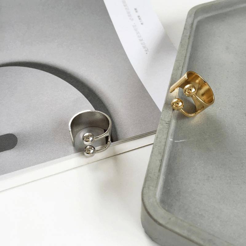 Кольцо в минималистичном стиле