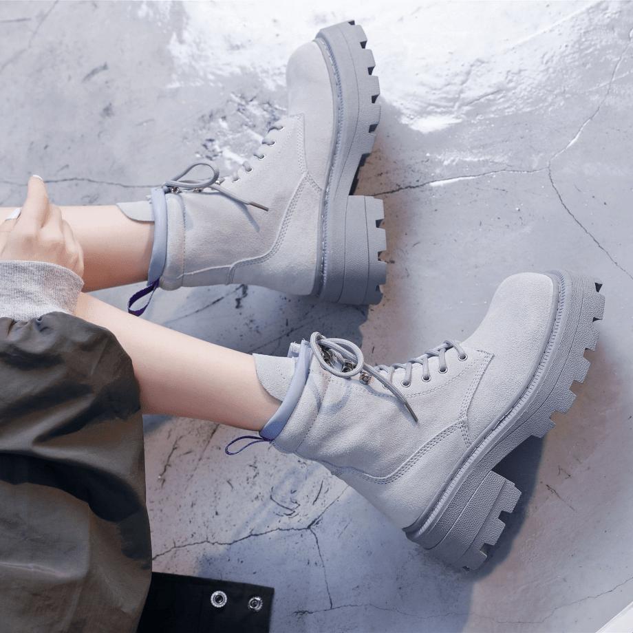 Ботинки с массивной подошвой