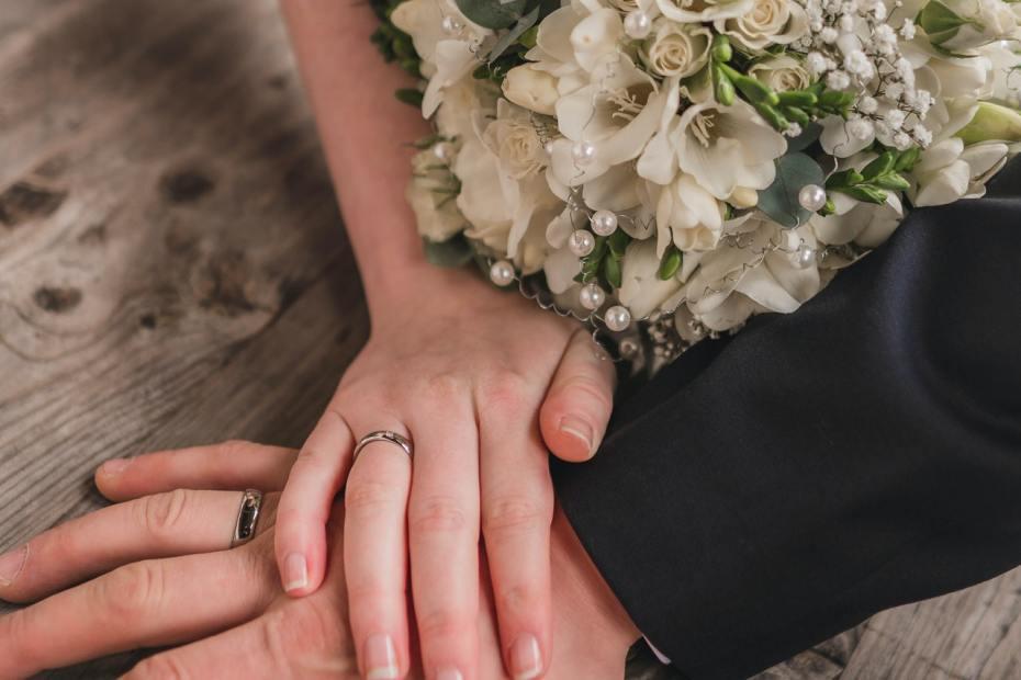 تقوية العلاقة الزوجية 6 طرق لإبقاء الشرارة حية في علاقتكما