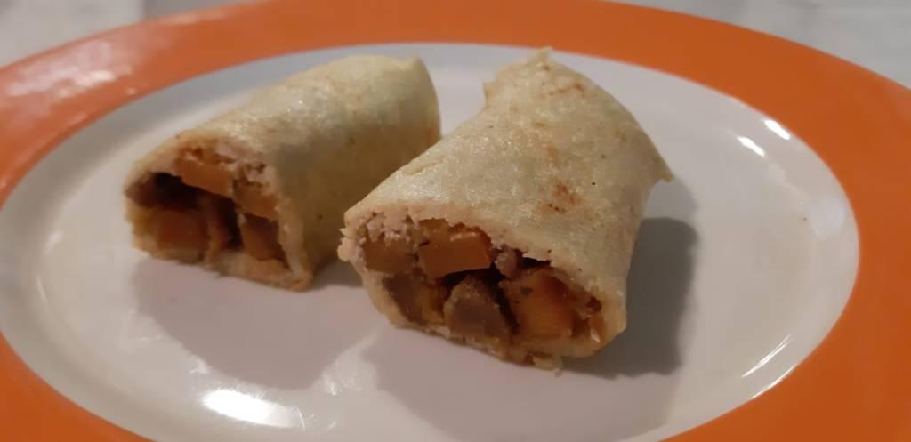 Un plato con rolls de nituke