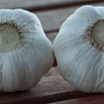 Lo más probable es que consumas ajos blanqueados y con químicos Laden originarios de China. Aquí está cómo detectarlos