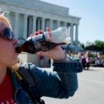 """Los estudios demuestran que beber Coca-Cola de """"light"""" te matará antes de que resuelvan la obesidad"""