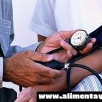 Un tipo de hipotensión en la mediana edad aumenta en un 40% el riesgo de demencia