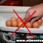Esta es la razón por la que no debes guardar huevos en la nevera