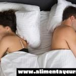 ¿Sabes lo que tu posición al dormir revela de tu vida amorosa?, Te sorprenderás cuando duermes de espalda.