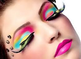 2019 Yazının Trendi: Neon Makyaj Nasıl Yapılır
