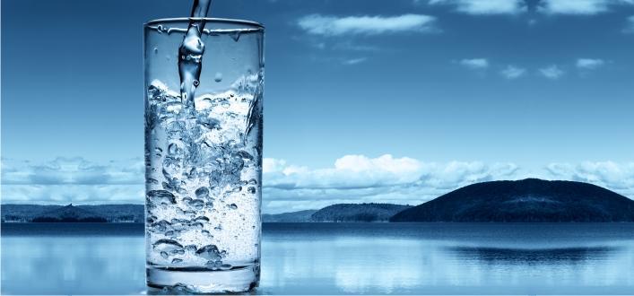 """Paharul cu apa si """"Managementul"""" stresului"""
