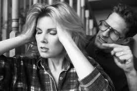13 caracteristici ale personei care abuzeaza emotional