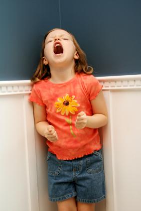 5 metode prin care poti sa-ti ajuti copilul sa-si controleze emotiile