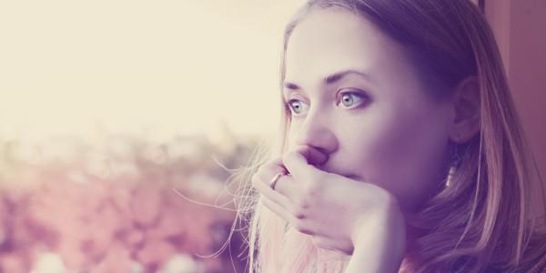 7 metode de a-ti elibera mintea de gandurile negative