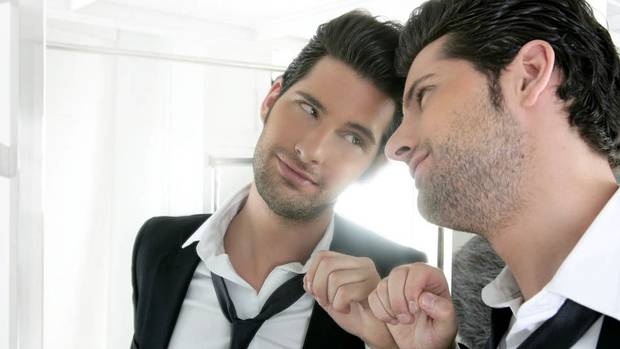 Limbajul secret al narcisistilor: cum isi traumatizeaza si manipuleaza victimele