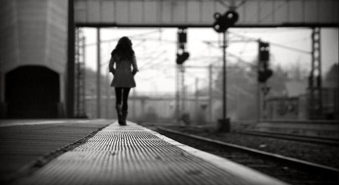 Oamenii vin si pleaca din viata noastra ca trenurile, iar in gara sufletului nu stationeaza decat atat cat au nevoie.