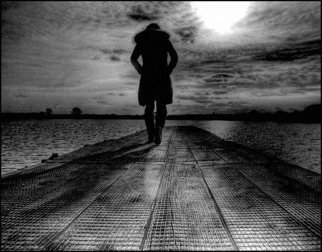 Fiind blocat in trecut inseamna ca iti petreci viata in intuneric
