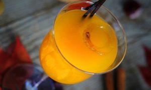 Suc de portocale cu scorţişoară