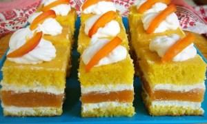 Prăjitură cu piure de piersici