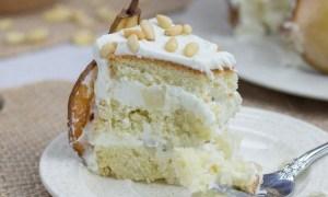 Prăjitură cu pere şi cremă de brânză