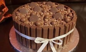 tort Full Chocolate