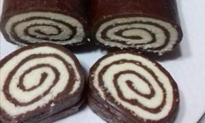 Ruladă cu ciocolată şi mascarpone
