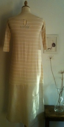 Vestido largo rayas de crema Striped cream long Dress 60€